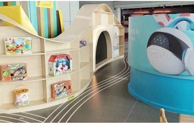 """Fairytale windmill town"", a public welfare parent-child service project created by Guangzhou Baiyun International Airport and family of childhood"